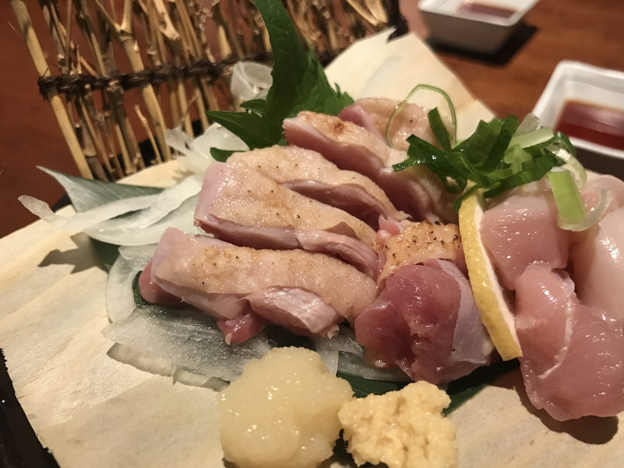 宮崎地鶏や焼鳥、馬刺しが食べたい時は山陽姫路駅からすぐの薩摩庵がおすすめ