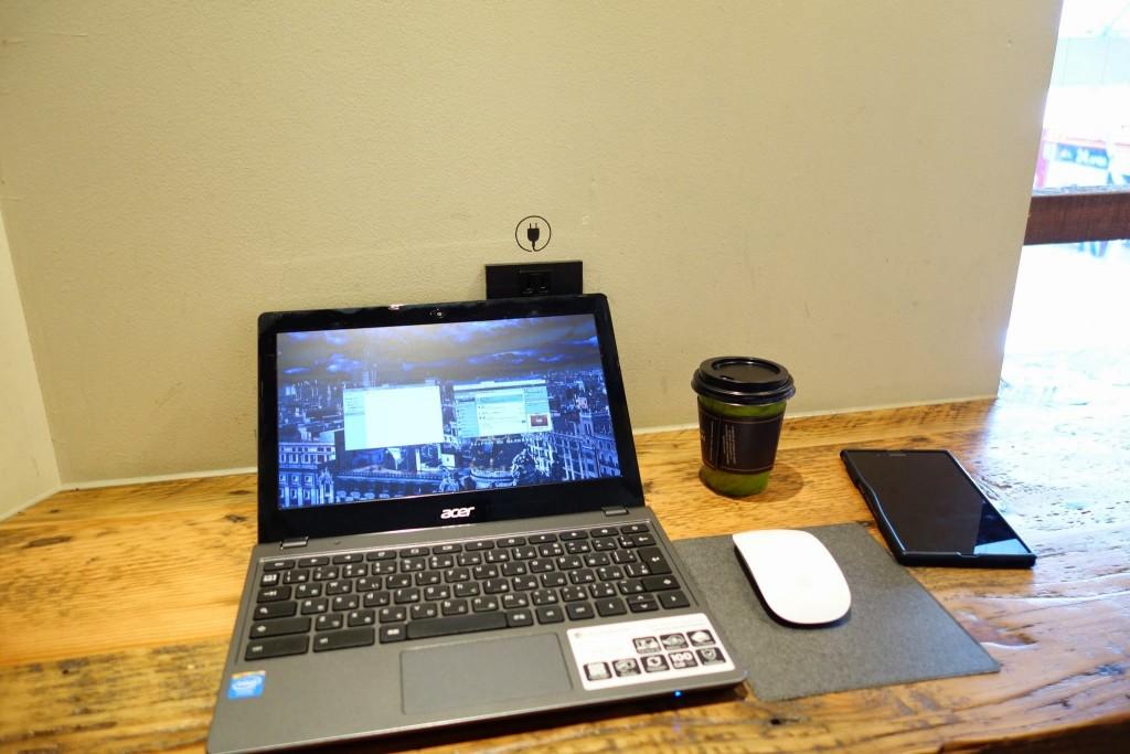 WiFiもそれなりに飛んでる三宮のホノルルコーヒーでノマドライフ