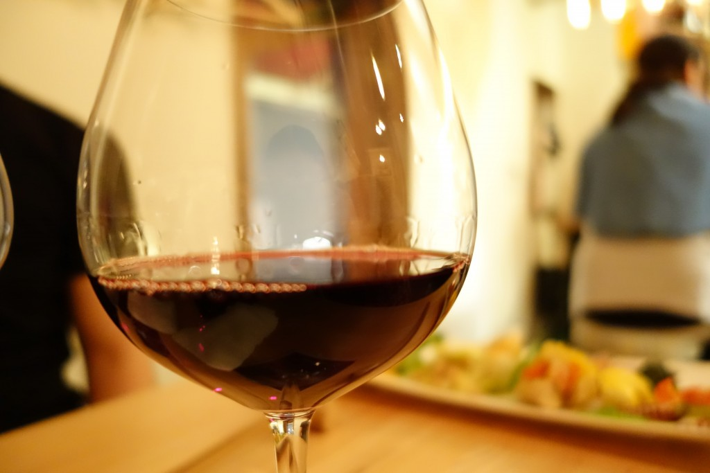 神戸三宮でフラッと軽くワイン飲みたい時にはBinoBino(ビノビノ)がおすすめ