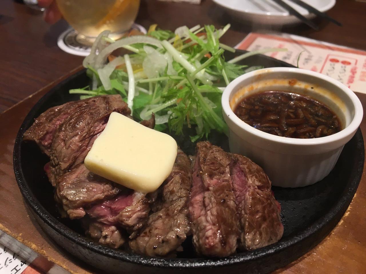 梅田のダンジョン内にある肉屋の肉バル TAJIMAYA Whityうめだ店のヘレステーキが美味しかった